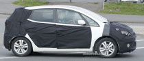 Spyshots: 2011 Hyundai ic25 - Official Name for the New MPV