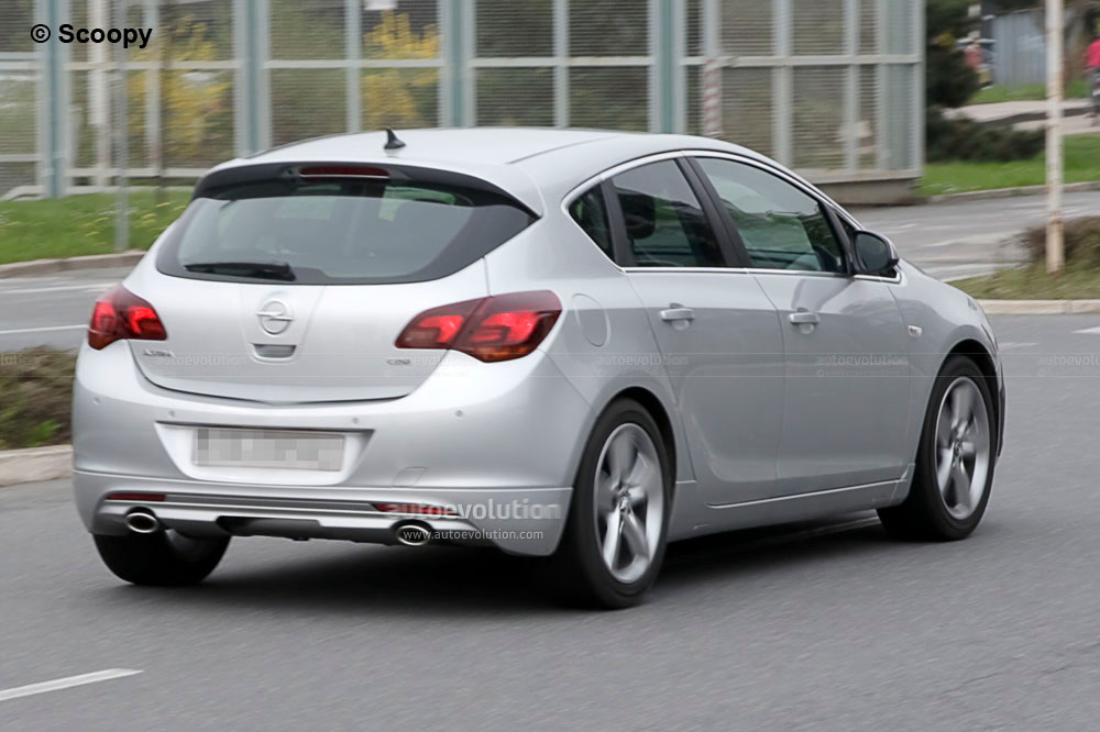 spyshots 2011 opel astra gsi autoevolution. Black Bedroom Furniture Sets. Home Design Ideas
