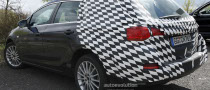 Spyshots: 2011 Opel Astra Sports Tourer, Inside View Included