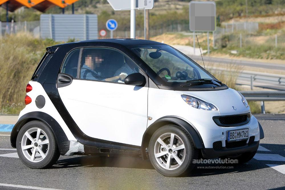 2012 smart car  Spyshots: 2012 smart fortwo Mule... - autoevolution