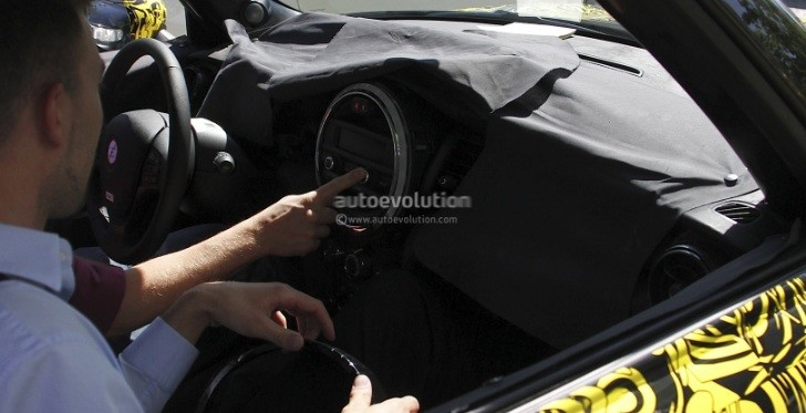 Spyshots: 2013 MINI Cooper Interior Revealed