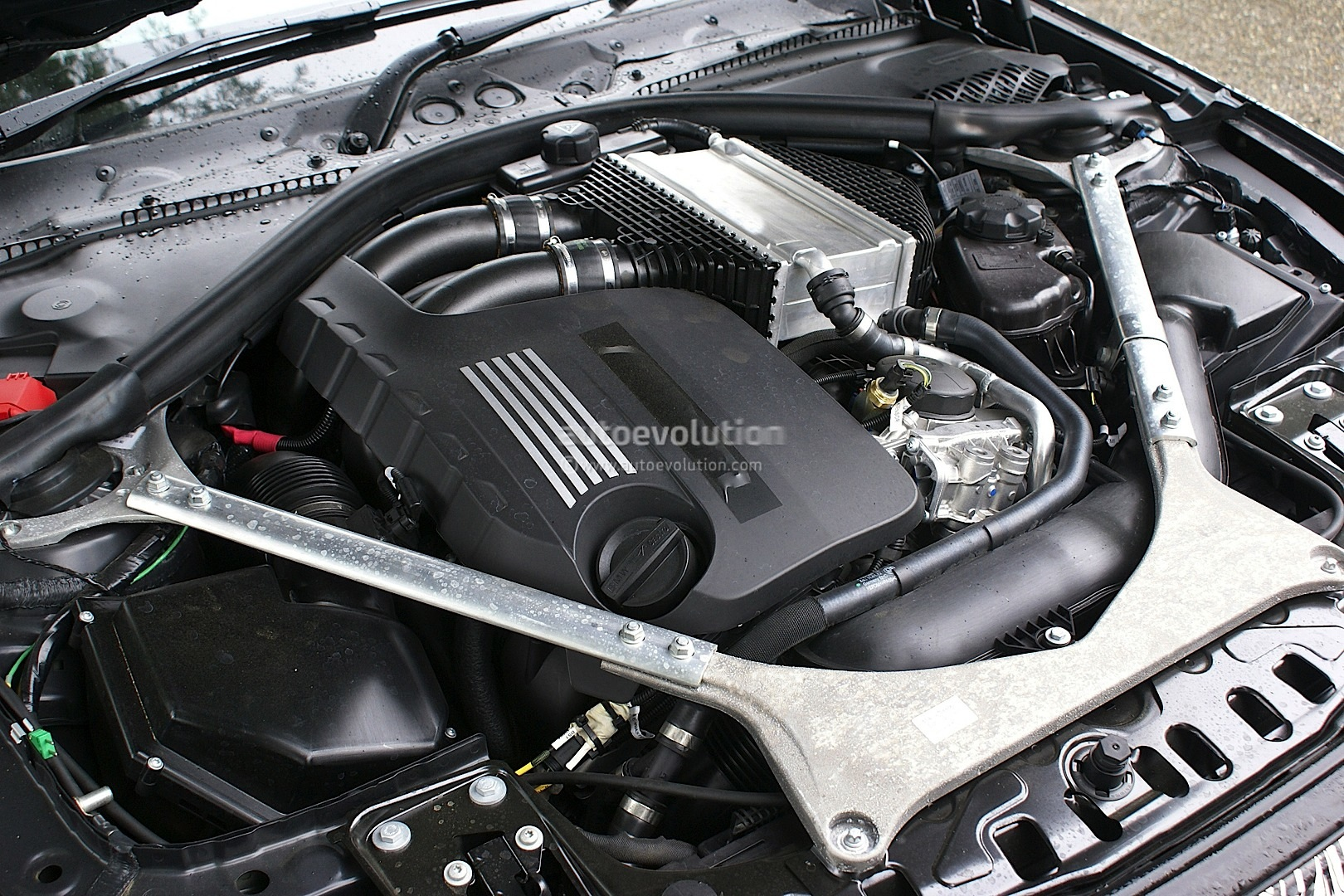 spyshots 2014 bmw m3 engine revealed autoevolution. Black Bedroom Furniture Sets. Home Design Ideas