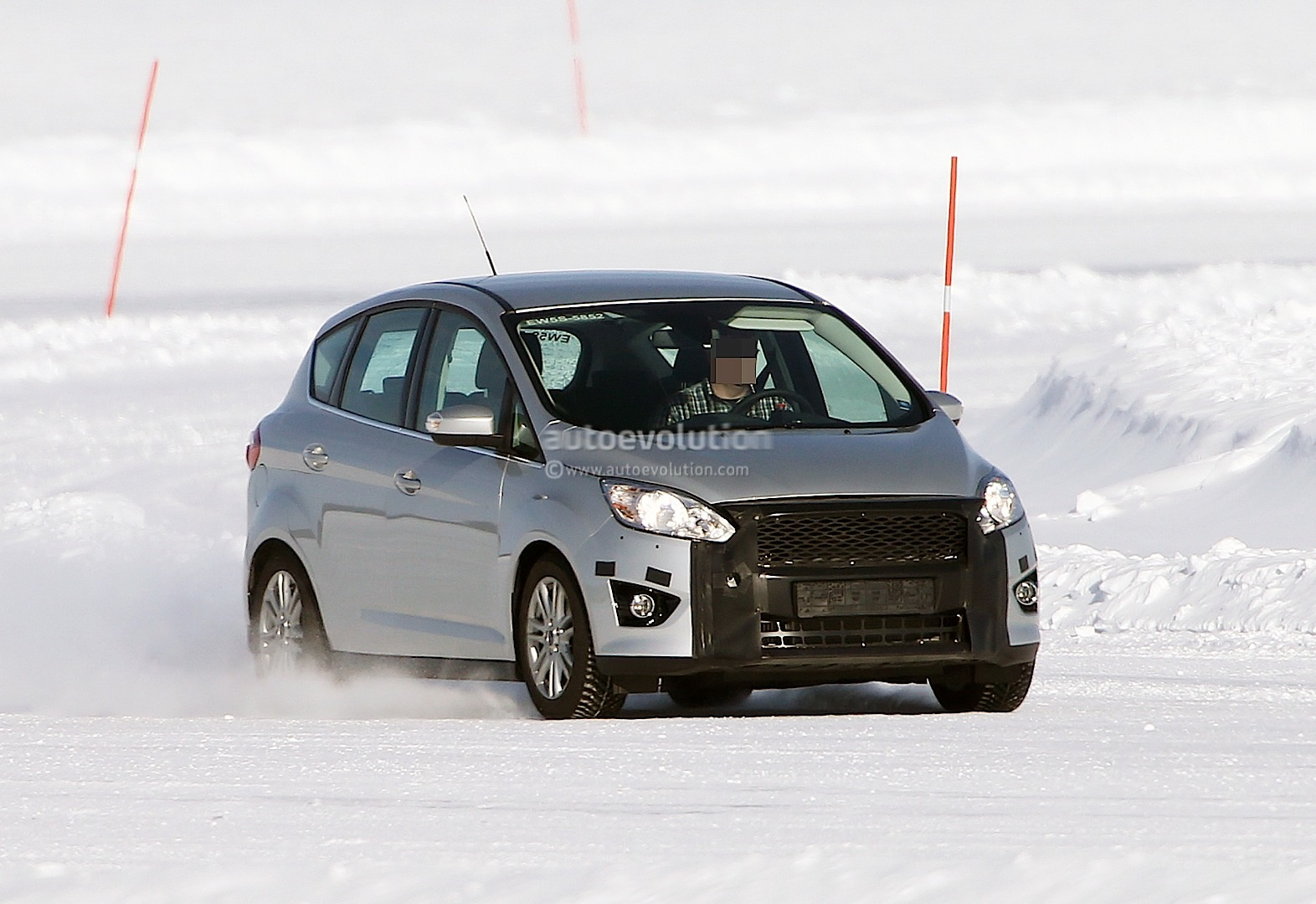spyshots 2014 ford c max getting aston martin facelift autoevolution. Black Bedroom Furniture Sets. Home Design Ideas