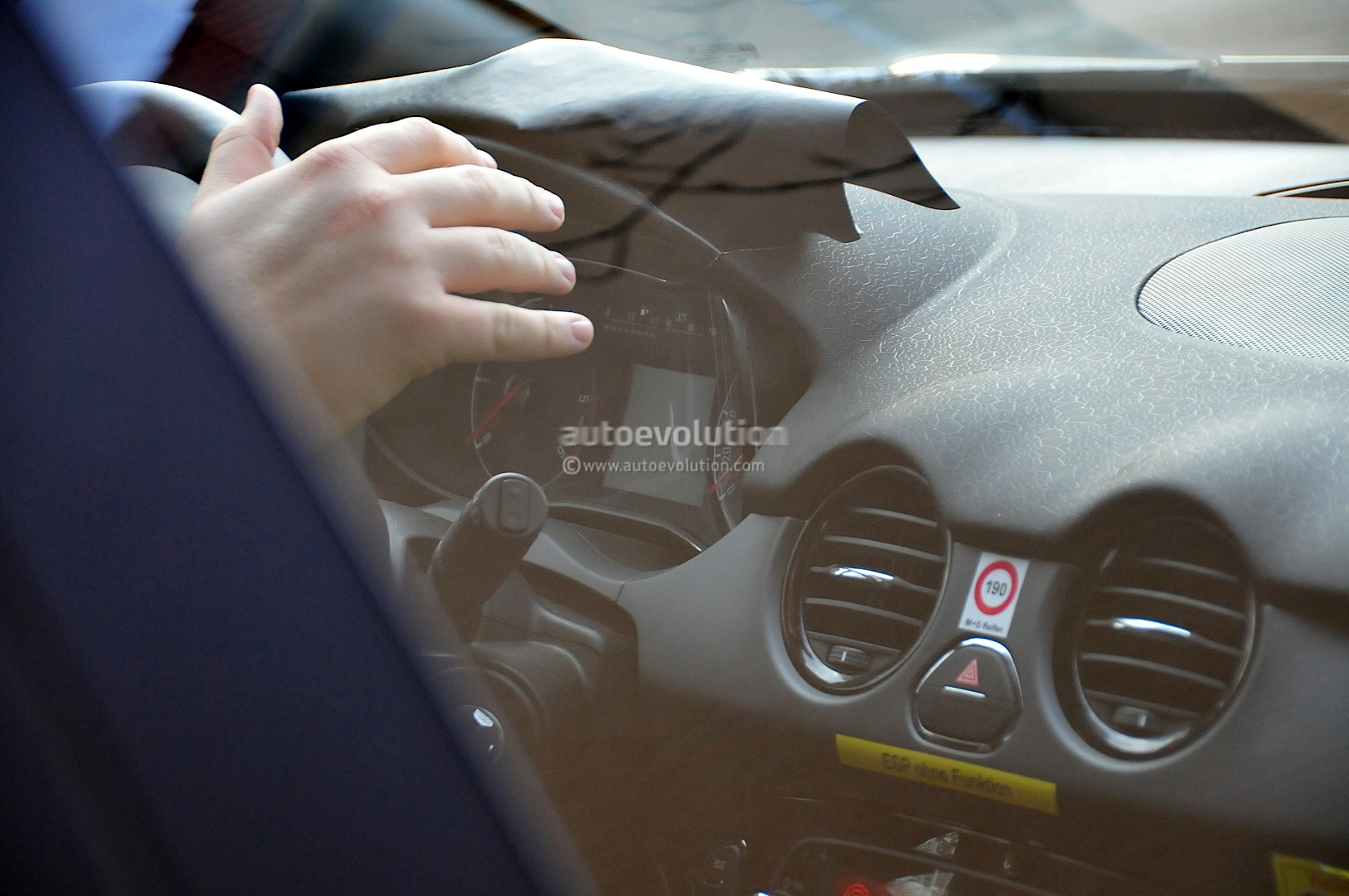 1626 x 1080 jpeg 421kB, Spyshots: 2014 Opel Corsa Facelift Interior