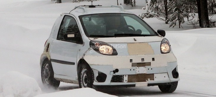 Spyshots: 2014 smart fortwo Test Mule Looking Like a Twingo