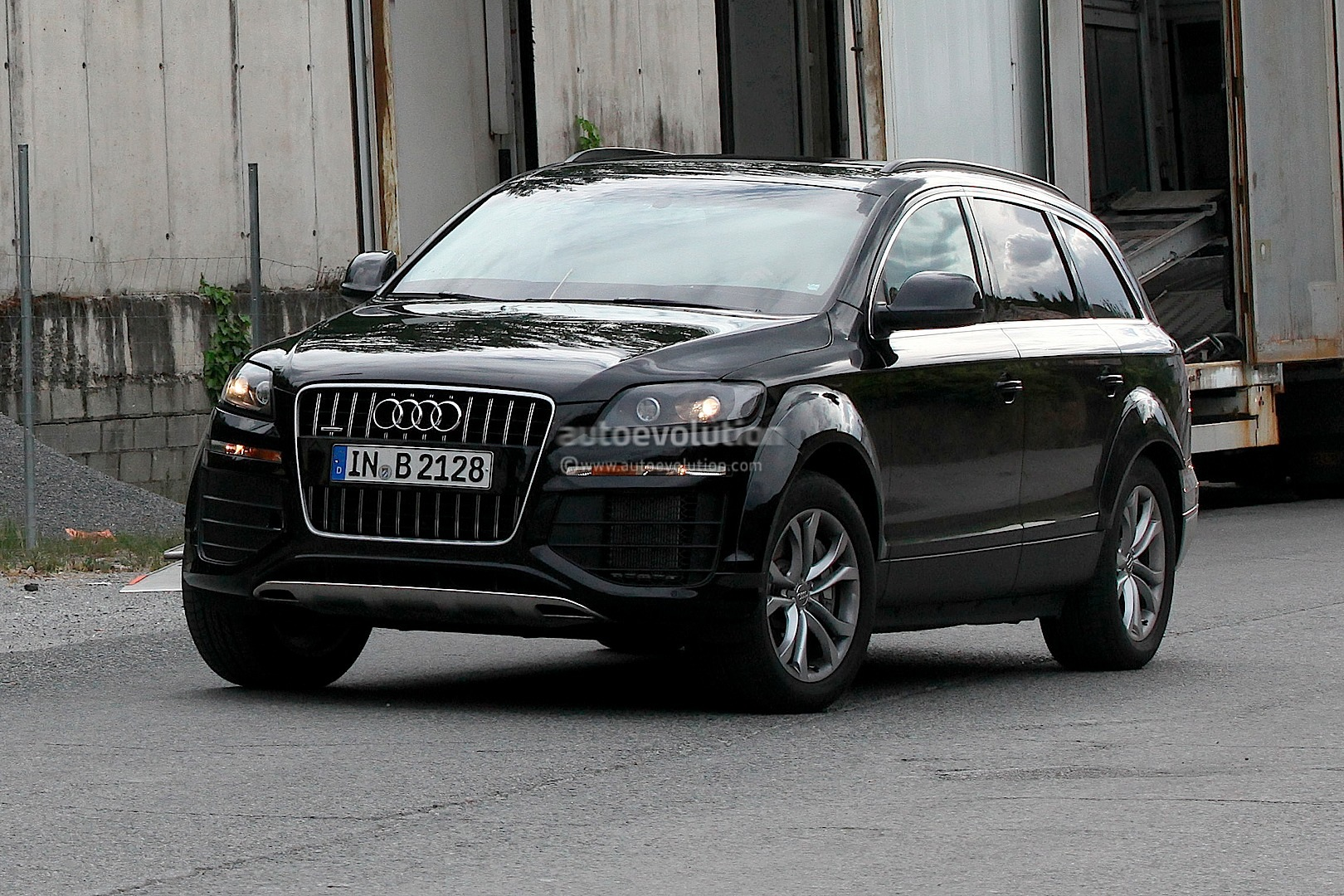 spyshots 2015 audi q7 test mule autoevolution. Black Bedroom Furniture Sets. Home Design Ideas