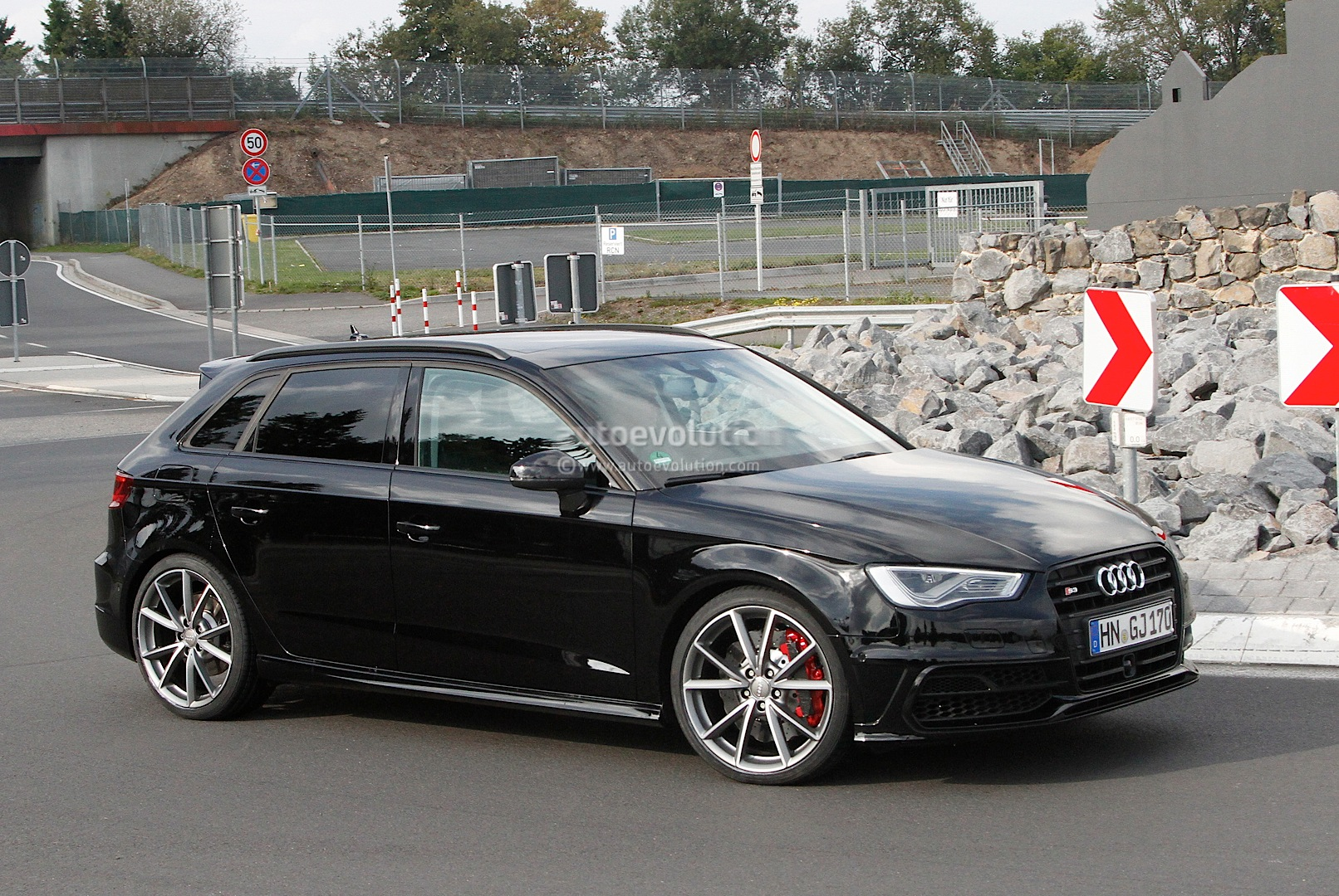 spyshots 2015 audi rs3 test mule autoevolution. Black Bedroom Furniture Sets. Home Design Ideas