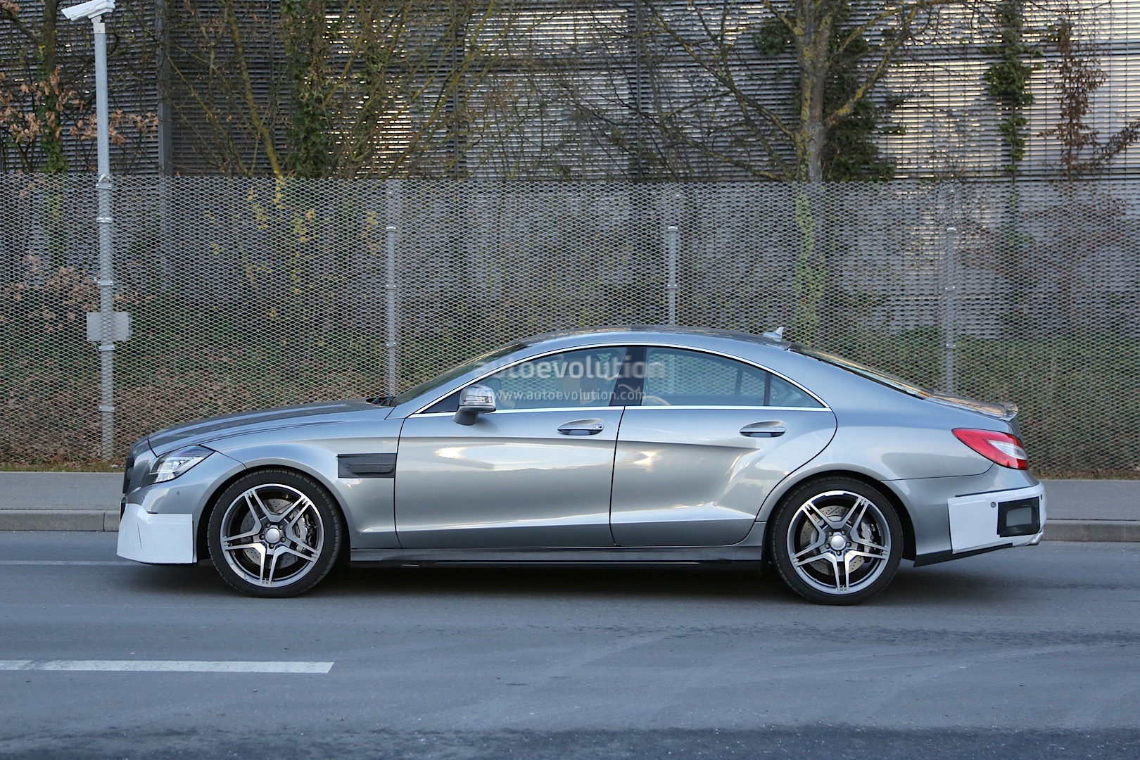 spyshots 2015 mercedes cls 63 amg showing more than ever. Black Bedroom Furniture Sets. Home Design Ideas