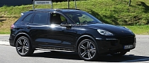 Spyshots: 2015 Porsche Cayenne Still Hiding Its Facelift