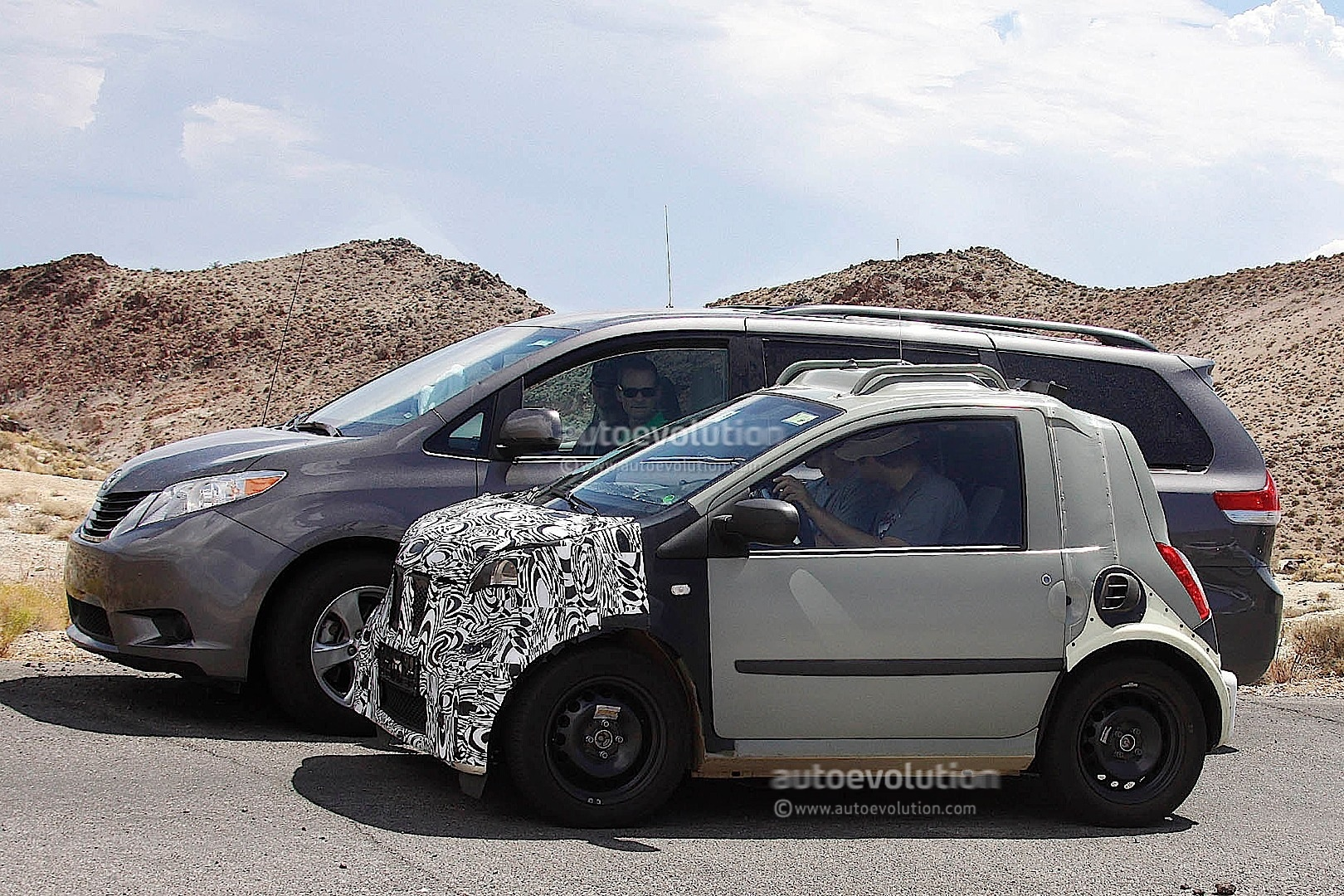 2015 smart fortwo mule spotted with production front autoevolution. Black Bedroom Furniture Sets. Home Design Ideas
