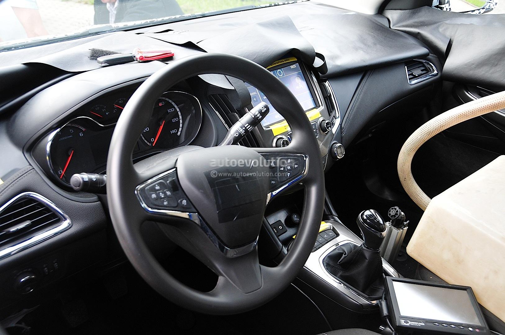 Spyshots: 2016 Chevrolet Cruze Interior Revealed ...