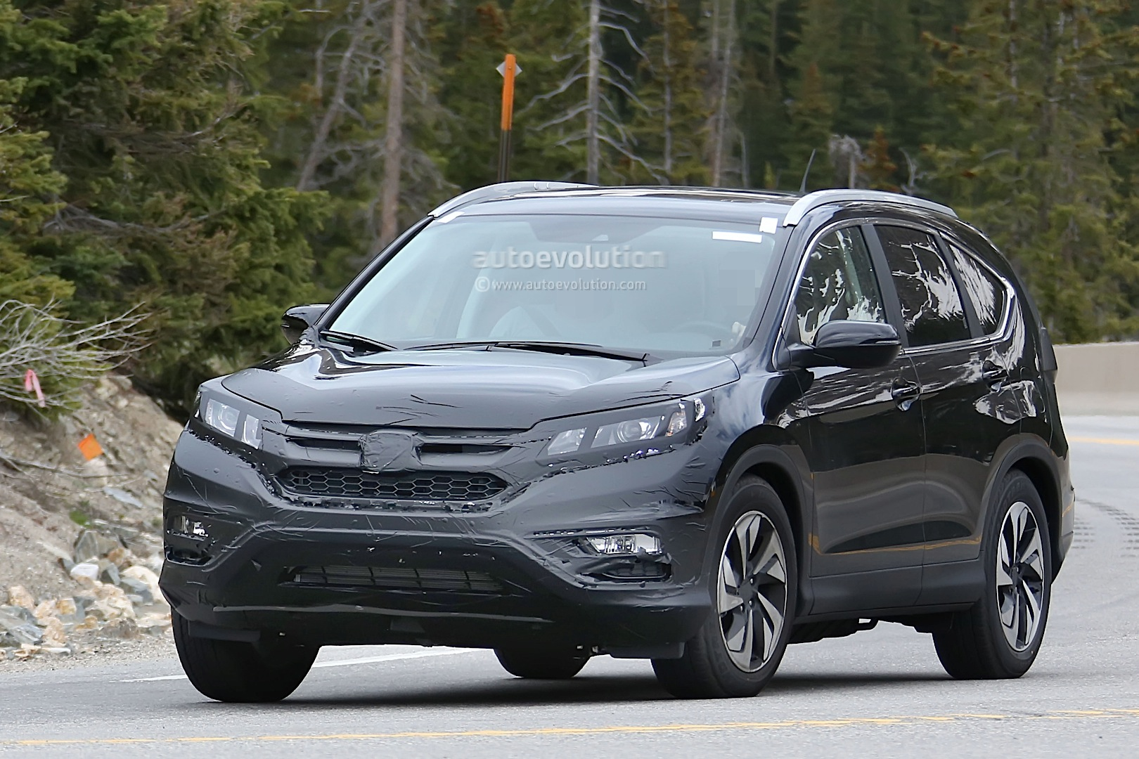 spyshots 2016 honda cr v facelift testing in the us autoevolution. Black Bedroom Furniture Sets. Home Design Ideas