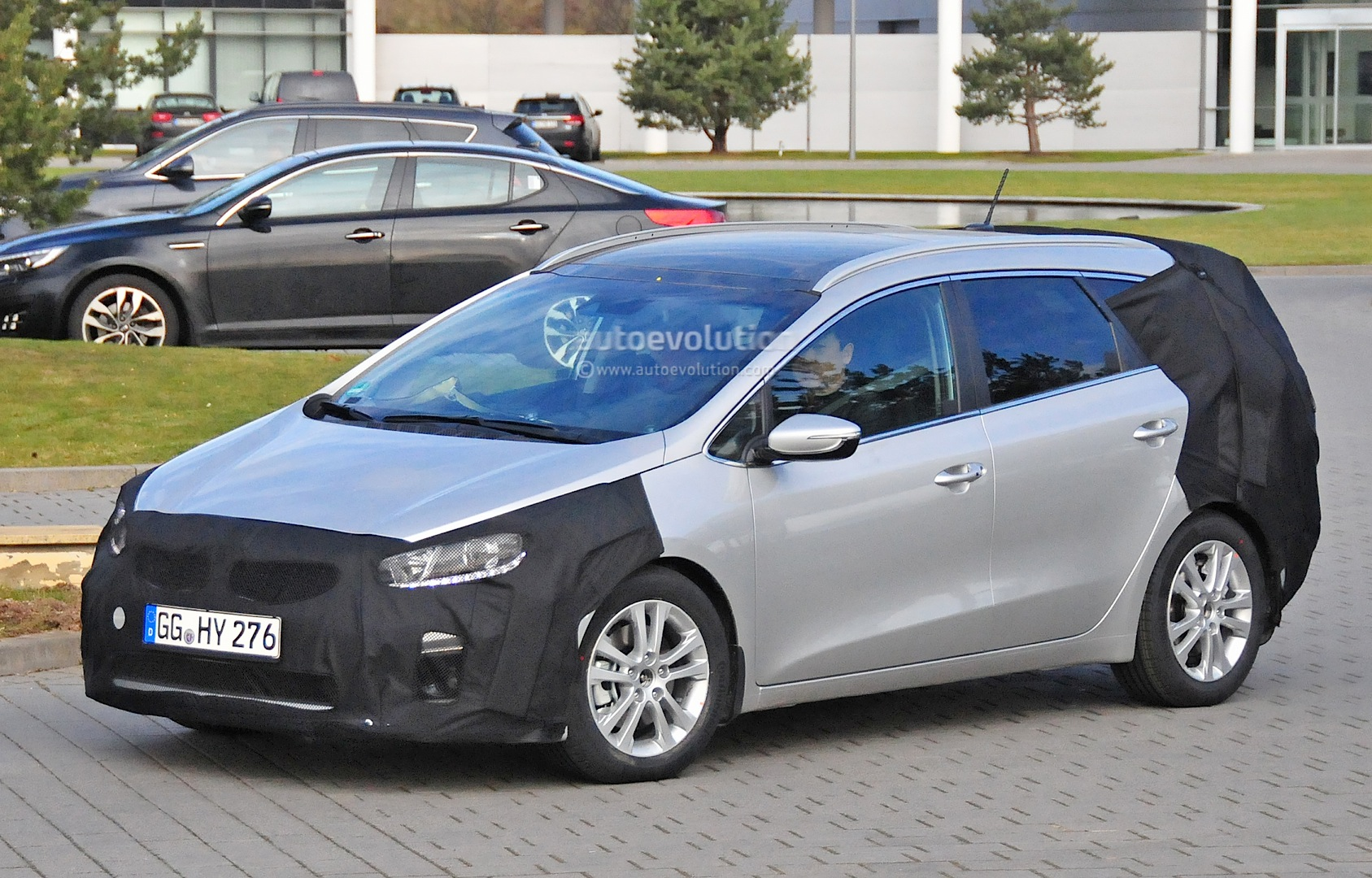 spyshots 2016 kia cee 39 d sportswagon getting twin clutch gearbox and turbo engines autoevolution. Black Bedroom Furniture Sets. Home Design Ideas
