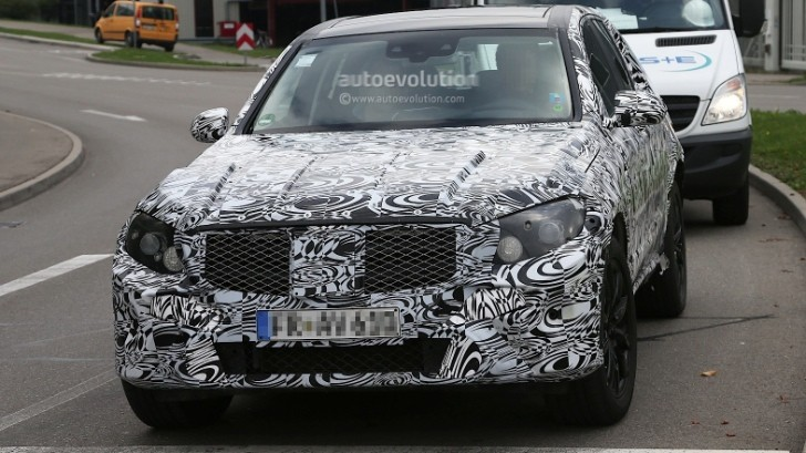 Spyshots: 2016 Mercedes-Benz GLK Spied Up Close