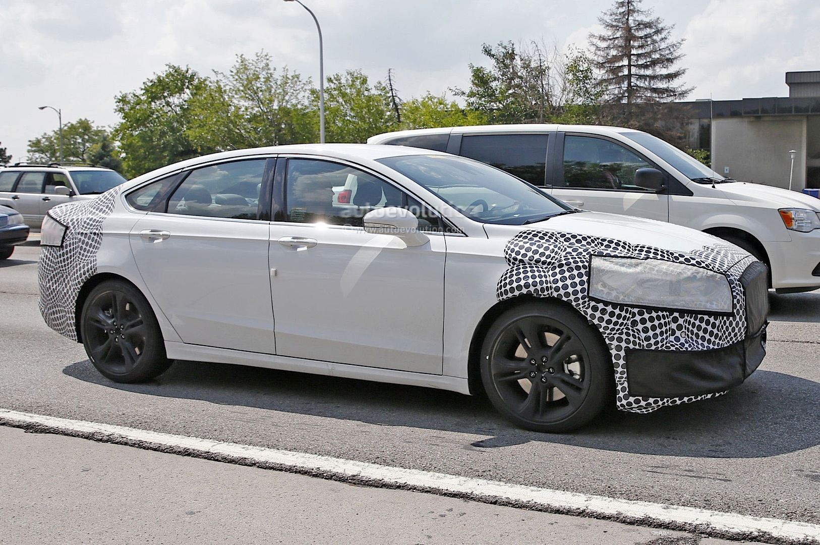 spyshots 2017 ford fusion mondeo st performance sedan first photos autoevolution. Black Bedroom Furniture Sets. Home Design Ideas
