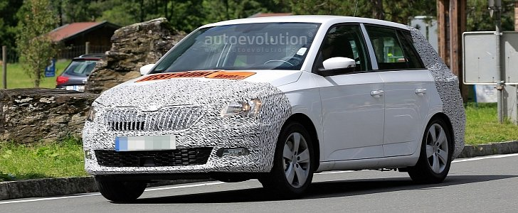 spyshots 2017 skoda fabia facelift has nose radar superb. Black Bedroom Furniture Sets. Home Design Ideas