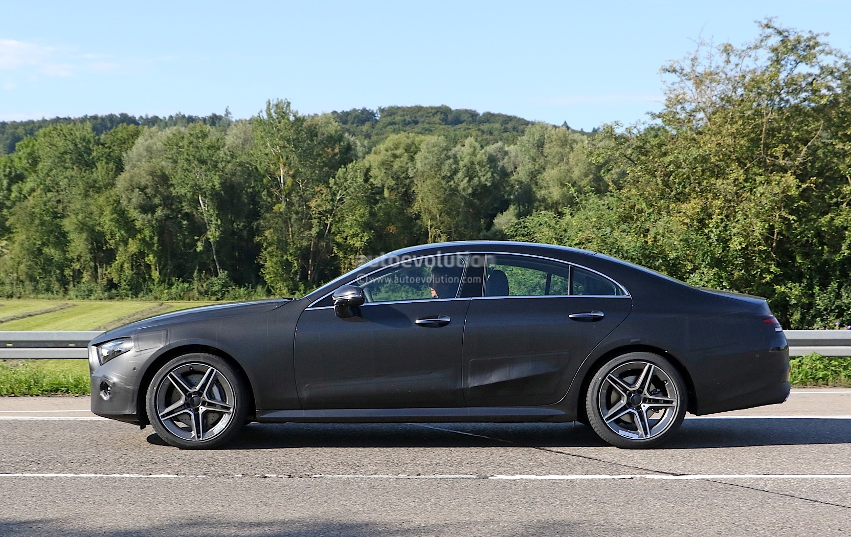 spyshots 2018 mercedes benz cls prototype looks. Black Bedroom Furniture Sets. Home Design Ideas
