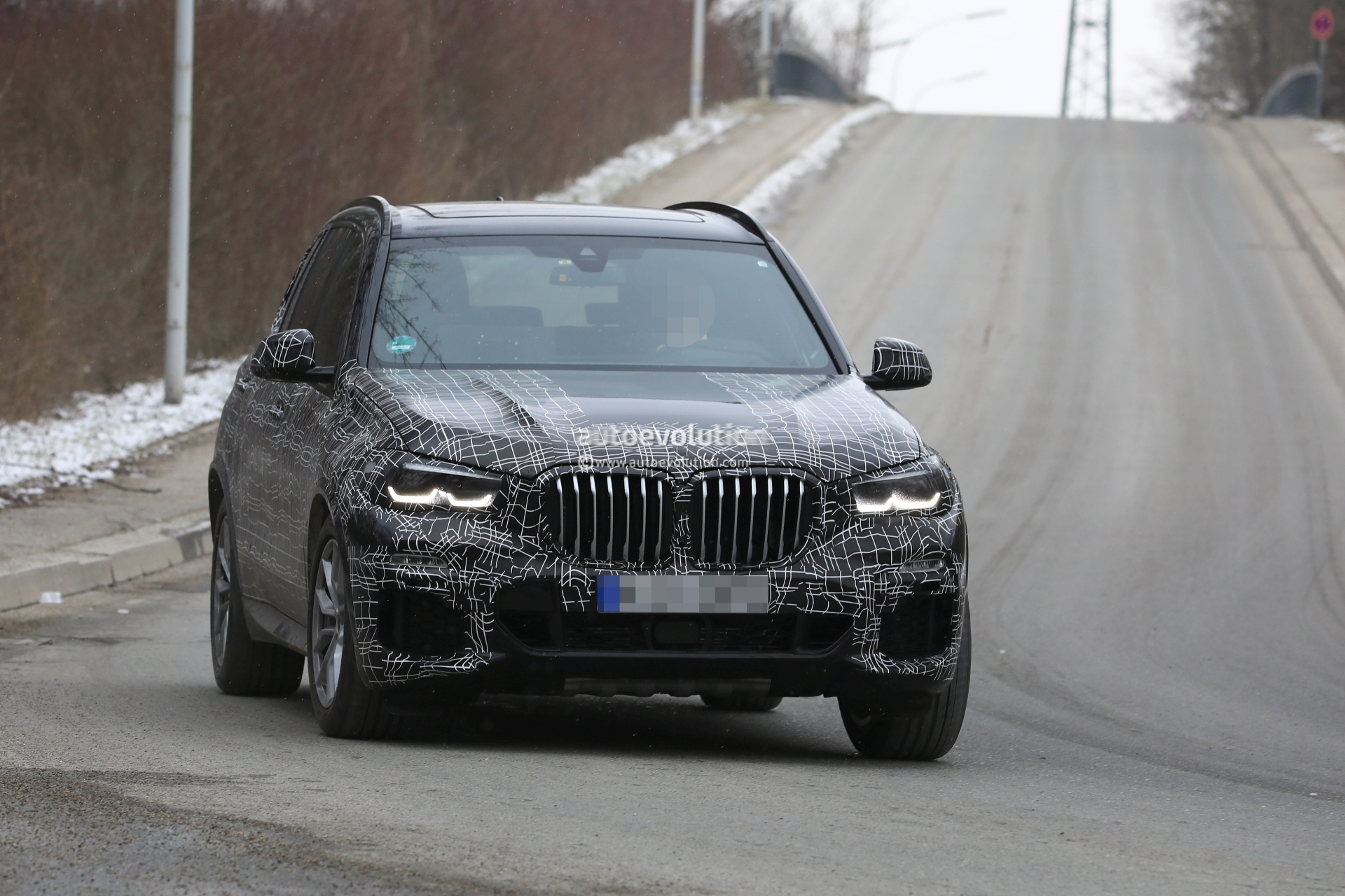 Spyshots 2019 Bmw X5 Prototype Shows Front End Details With