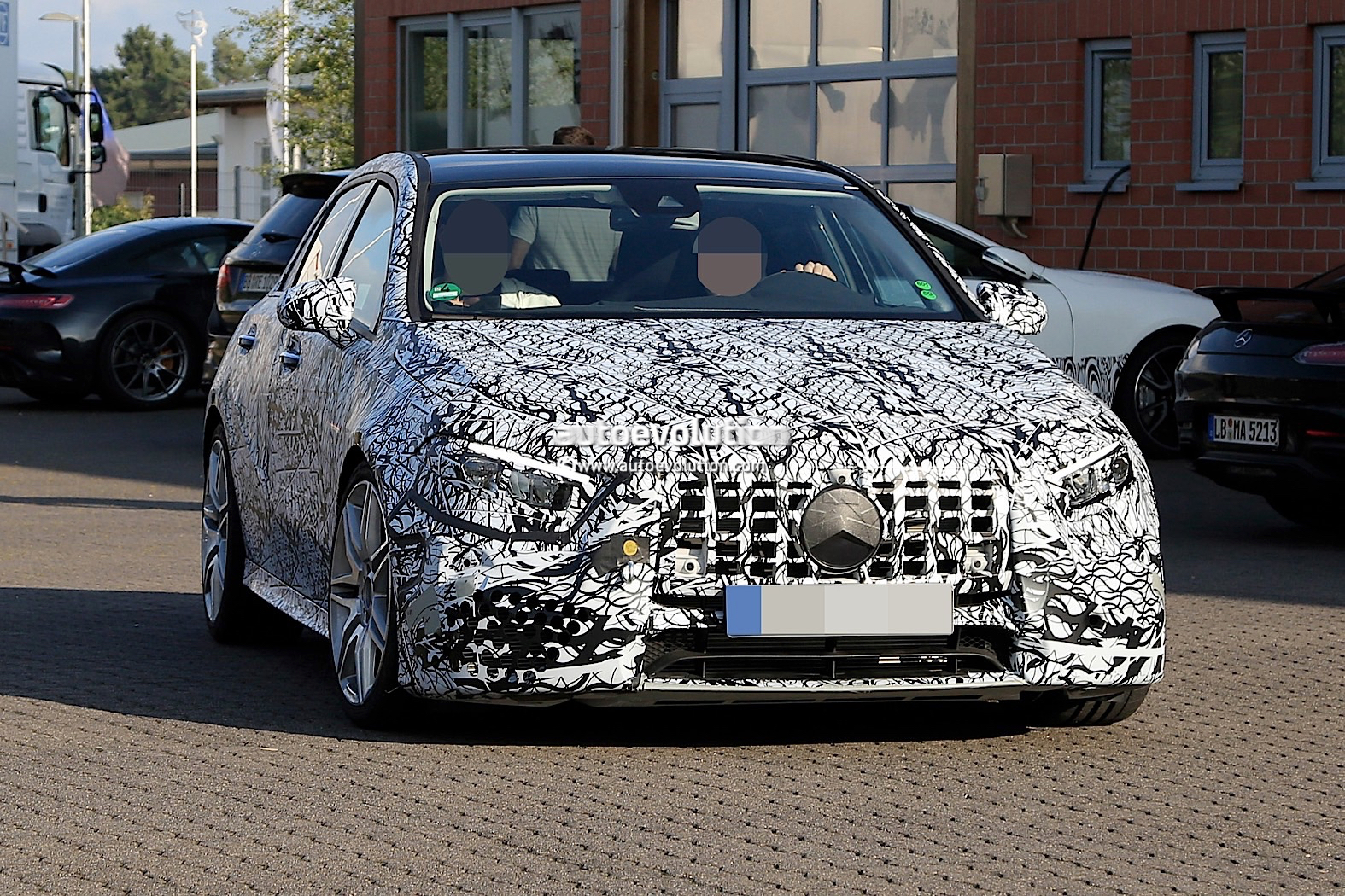 Spyshots 2019 Mercedes Amg A45 Looks Ready To Dethrone The Audi Rs3