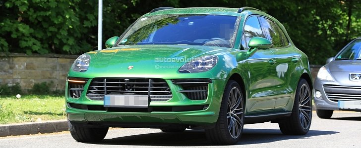 Spyshots 2019 Porsche Macan Facelift Prototype Reveals Production Look Autoevolution