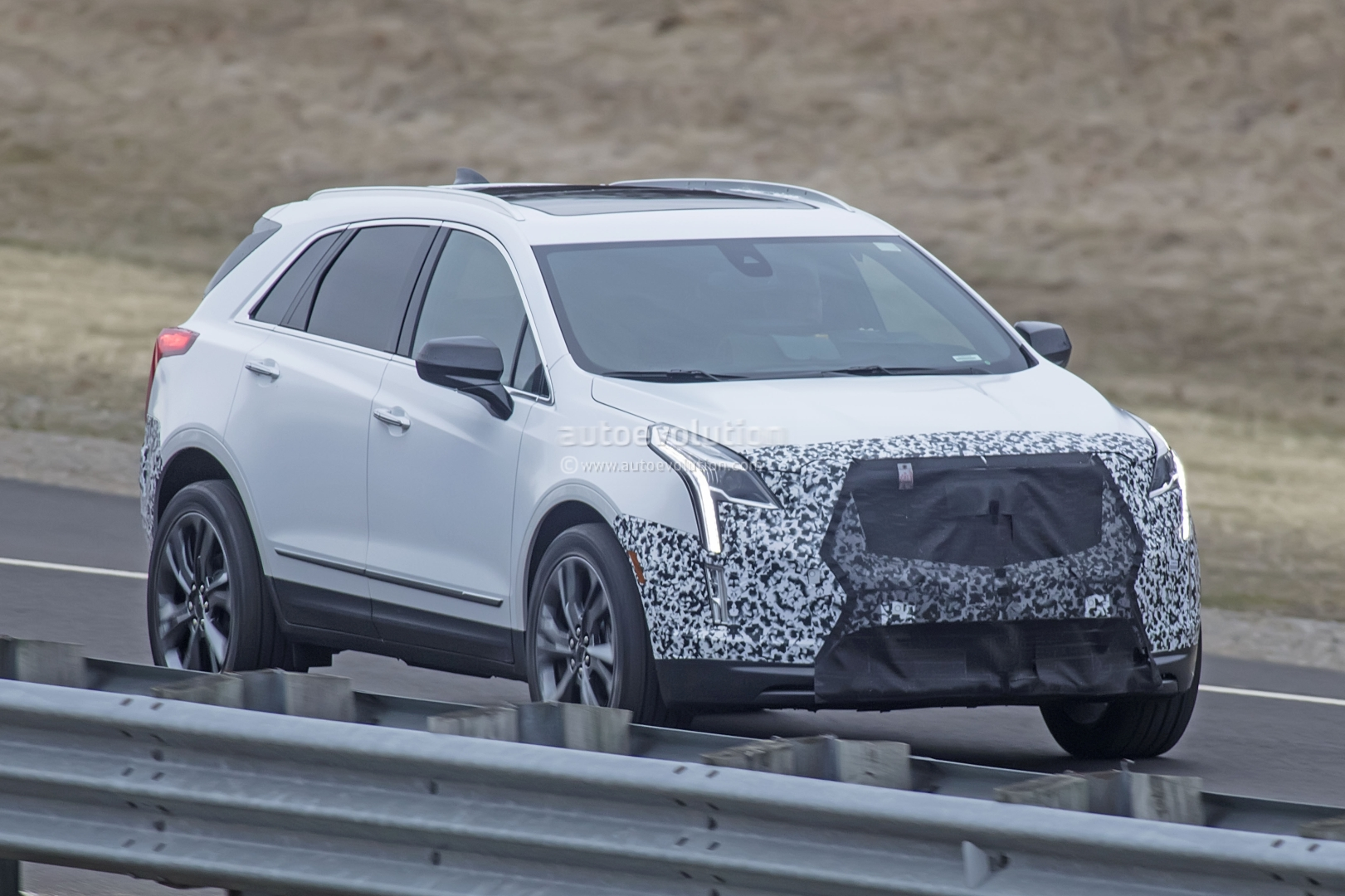 2020 Spy Shots Cadillac Xt5 Redesign