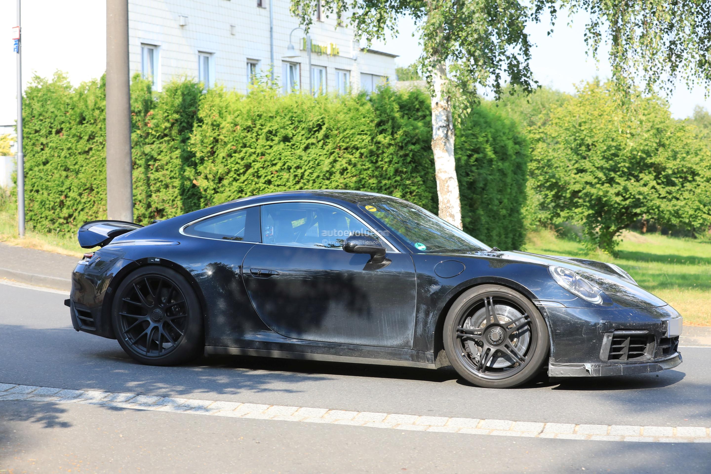 Spyshots 2020 Porsche 911 Gt3 Shows Up With Center Lock