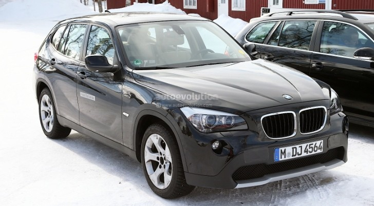 Spyshots: All-Electric BMW X1 Starts Testing