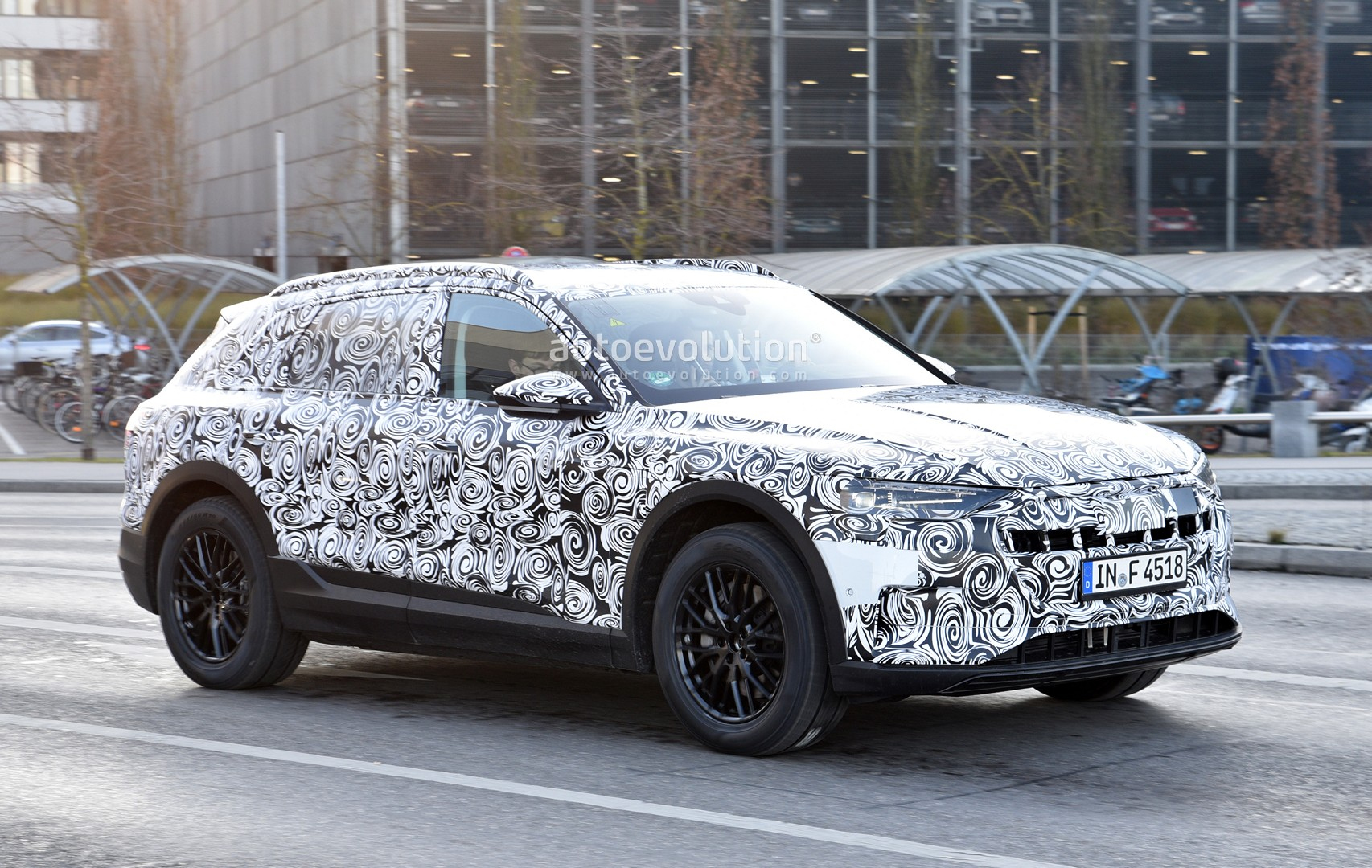 Spyshots Audi Etron Quattro Spied Up Close Looks Like A - Audi ev