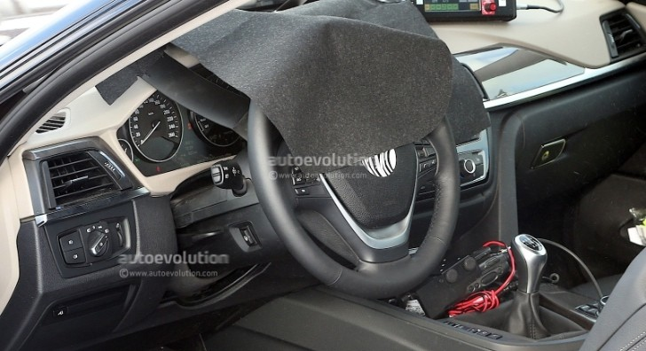 Spyshots: BMW 4 Series Coupe Interior Revealed