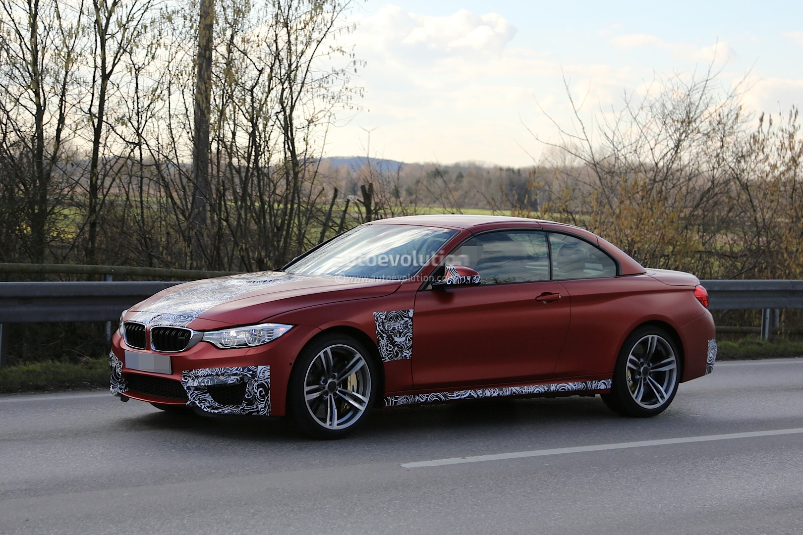spyshots frozen bmw m4 convertible caught testing. Black Bedroom Furniture Sets. Home Design Ideas