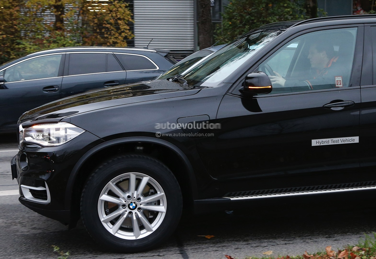 spyshots bmw x5 edrive hybrid spotted for first time autoevolution. Black Bedroom Furniture Sets. Home Design Ideas