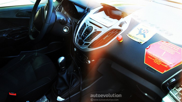 Spyshots: Ford B-Max Interior Revealed