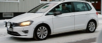 Spyshots: Golf Sportsvan Readies for 2014 Launch