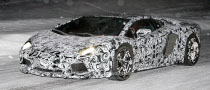 Spyshots: Lamborghini Aventador LP700-4 Battling the Snow at Night