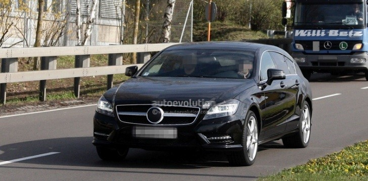 Spyshots: Mercedes CLS Shooting Break with Less Camo