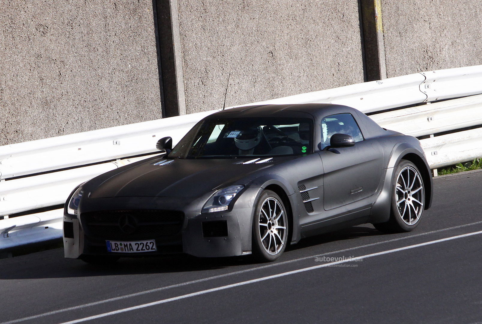 spyshots mercedes sls amg black series autoevolution. Black Bedroom Furniture Sets. Home Design Ideas