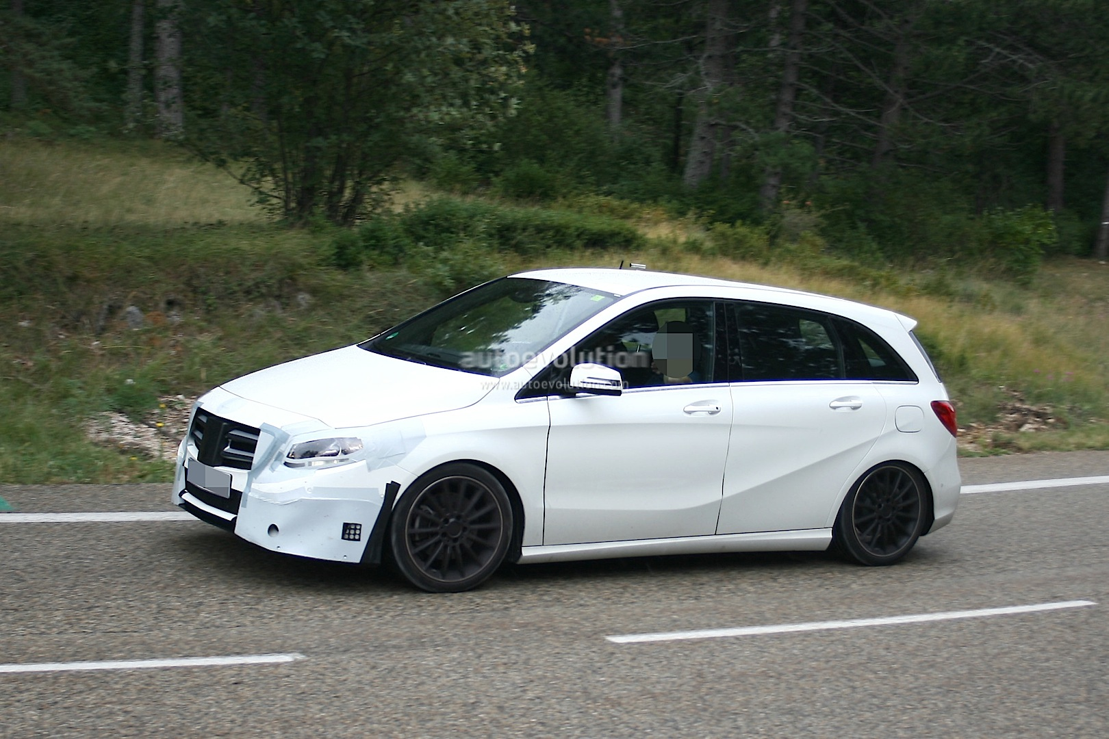 spyshots mercedes testing new b class sport amg model autoevolution. Black Bedroom Furniture Sets. Home Design Ideas
