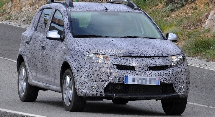 Spyshots: New Dacia Sandero Spotted Again