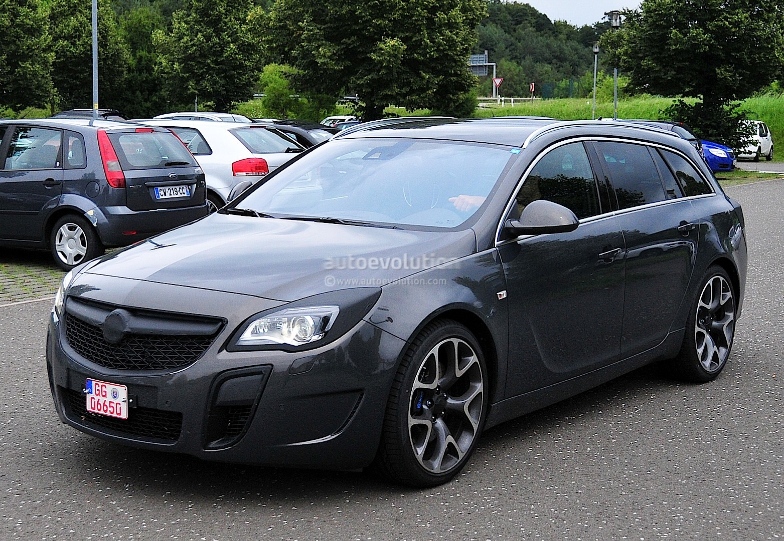 Spyshots Opel Insignia OPC Sports Tourer Getting A
