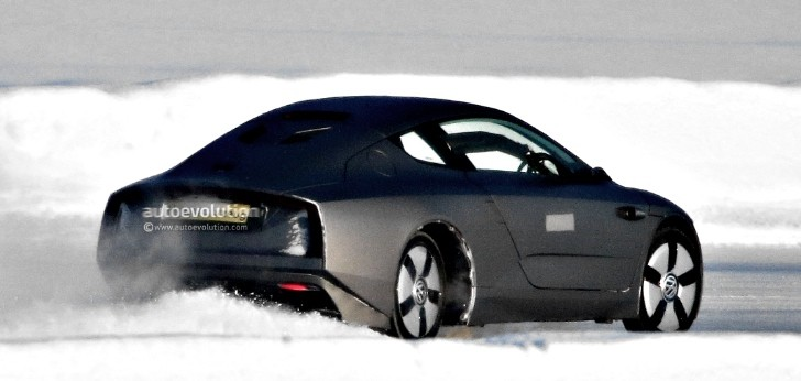 Spyshots: Production Version of the Volkwsagen XL1 Spotted Snow Drifting