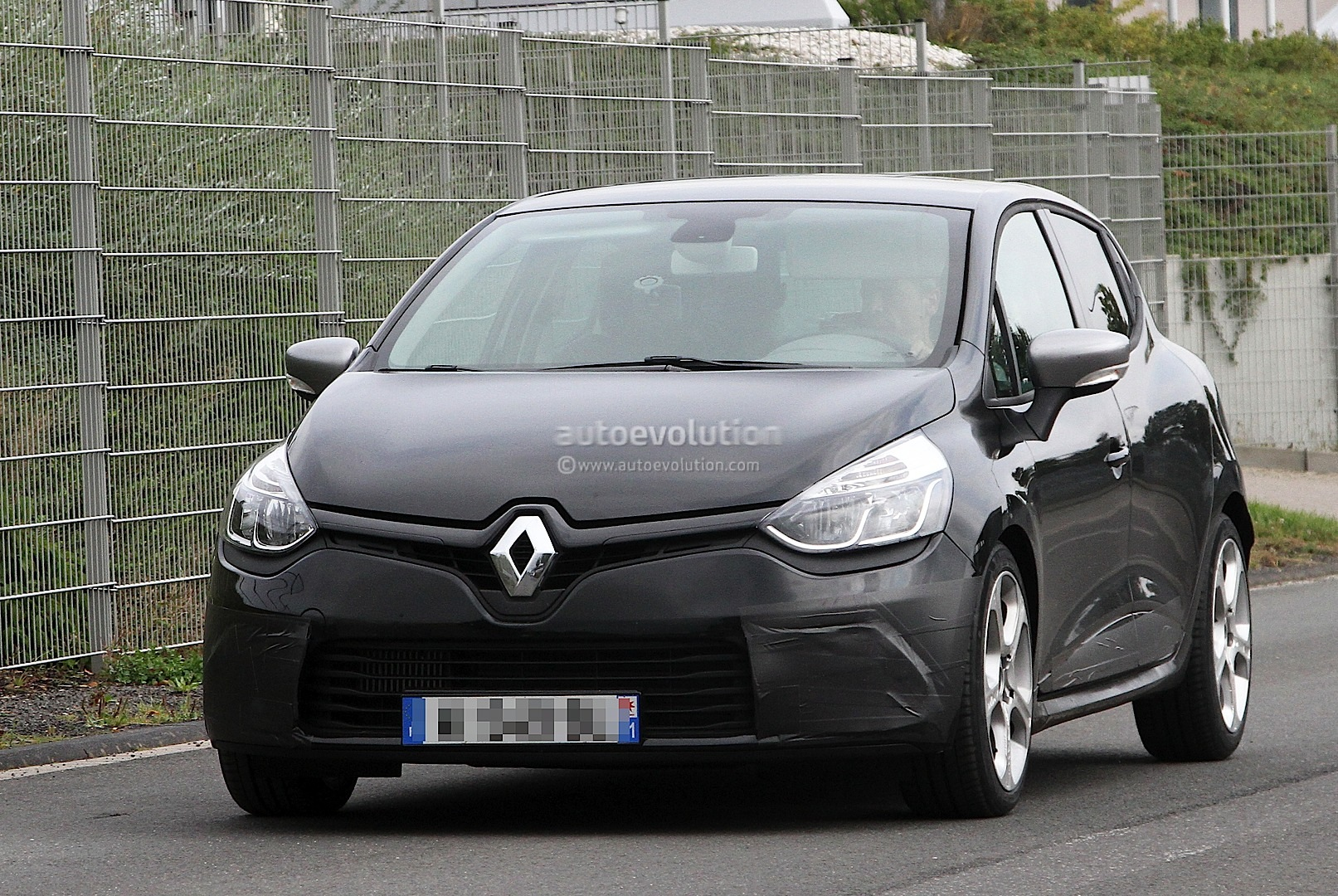 spyshots renault clio gordini gt with 1 2 tce 140 hp autoevolution. Black Bedroom Furniture Sets. Home Design Ideas