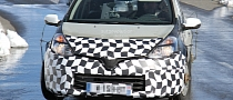 Spyshots: Renault Clio IV with New Face