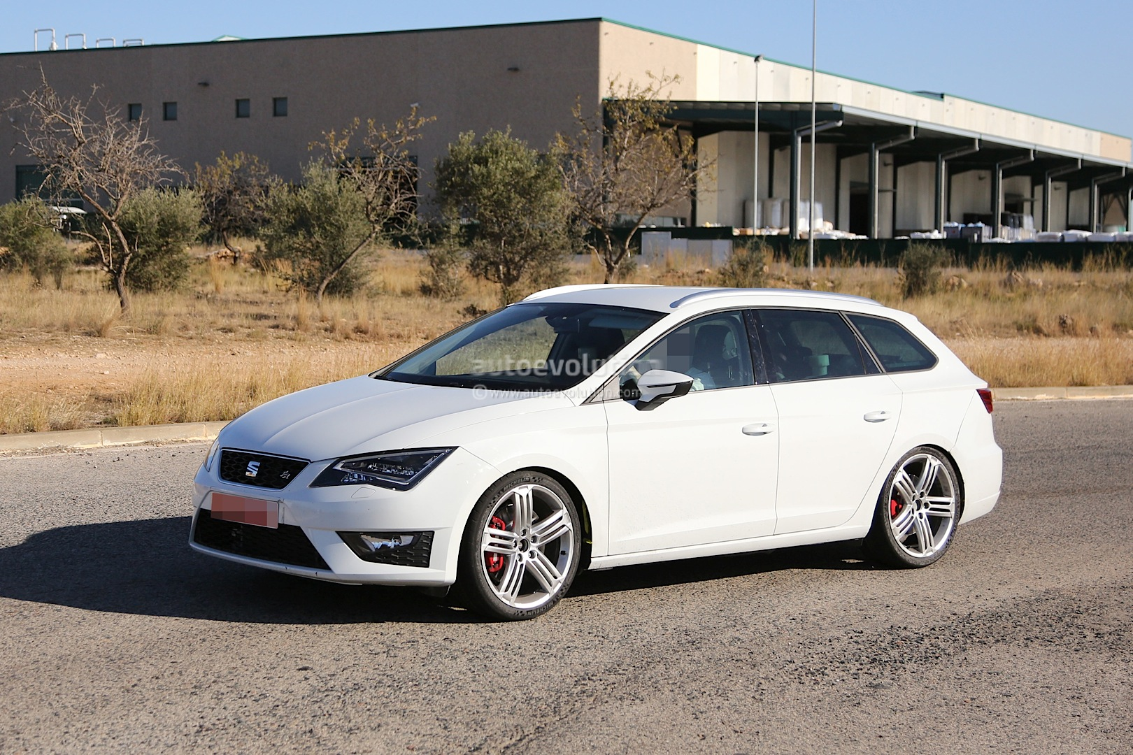spyshots seat leon st cupra autoevolution. Black Bedroom Furniture Sets. Home Design Ideas
