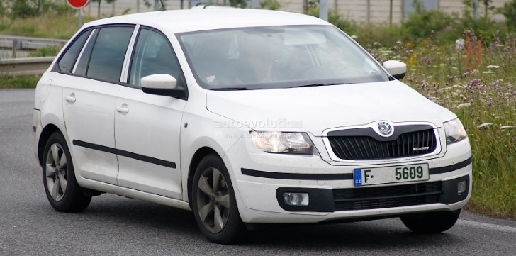 Spyshots: Skoda Rapid Spaceback