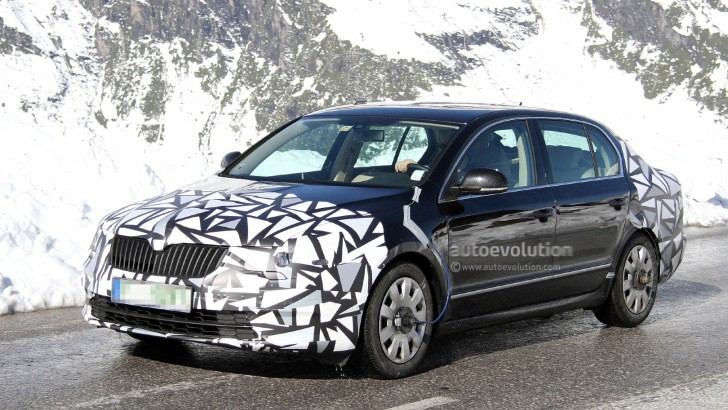 Spyshots: Skoda Superb Facelift