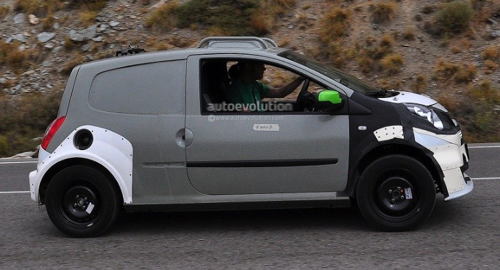 Spyshots: smart forfour Test Mule