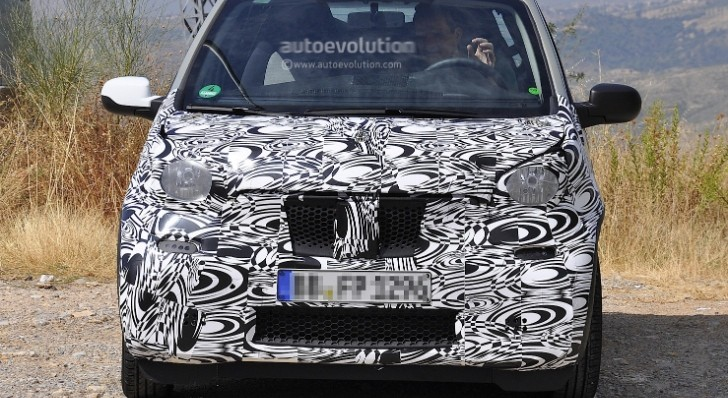 Spyshots: smart fortwo Mule Has Production Front End