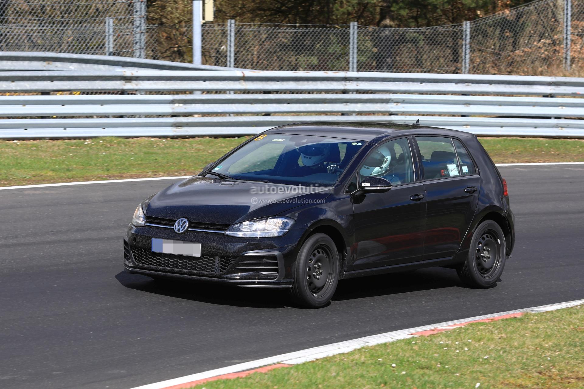 spyshots volkswagen golf 8 hits nurburgring shows new. Black Bedroom Furniture Sets. Home Design Ideas