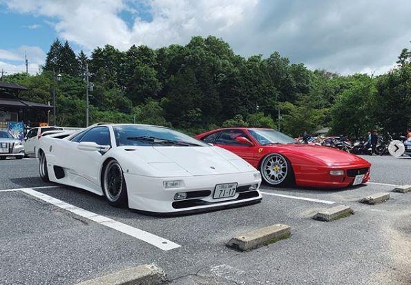 Stanced Ferrari F355 and Lamborghini Diablo Are Big In Japan