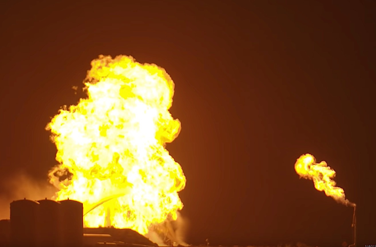 SpaceX's 'Starhopper' test craft bursts into flames on launch pad (VIDEO)